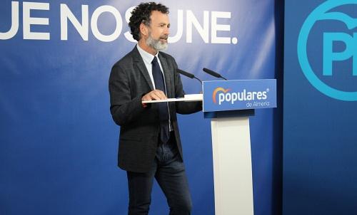 El PP le da un toque de atención a Vox mientras tiende la mano a PSOE y AA