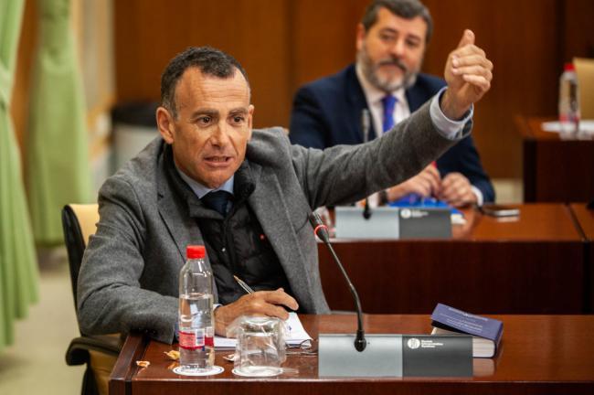 La Junta con el PSOE invirtió el 46% del presupuesto de inversiones
