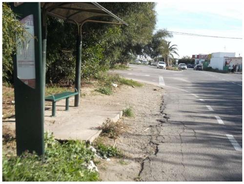 El Ayuntamiento mejorará la accesibilidad de 12 paradas de autobús
