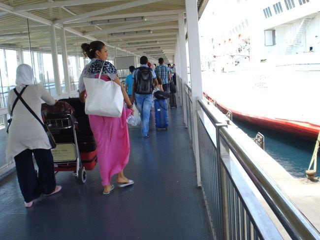 El 21 de abril el Puerto de Almería recibió más de 3.000 pasajeros
