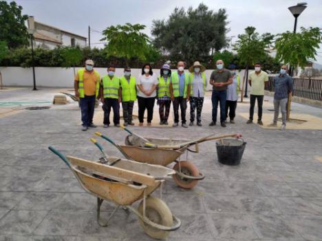 El PFEA de Diputación embellece plazas y mejora servicios públicos de Huércal - Overa