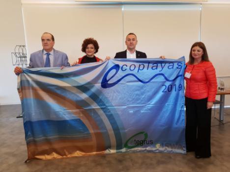 """Carboneras recibe una bandera """"Ecoplaya"""" para la Playa de las Marinicas"""