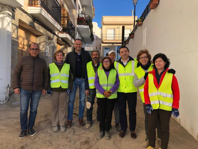 El PFEA genera en Felix más de 700 jornales para renovar sus infraestructuras urbanas