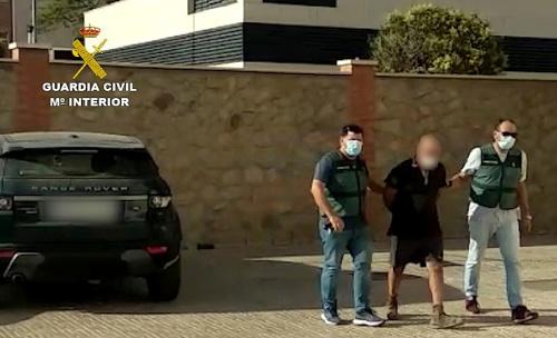 Un hombre intenta secuestrar a su expareja en Dalías después de un año buscándola