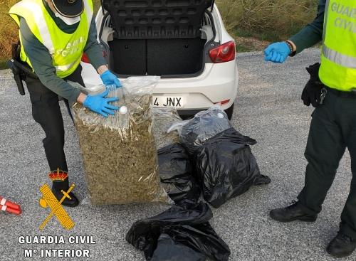 Un detenido con 30 kilos de marihuana en un control por #COVID19