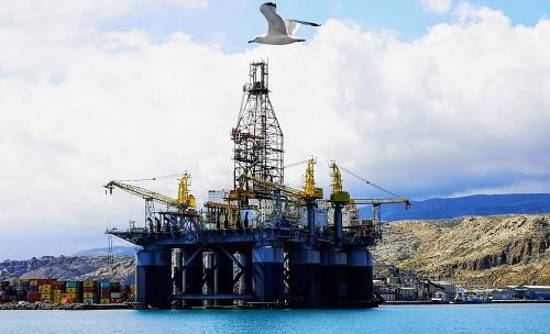 El Puerto de Almería ofrece el dique Exterior a plataformas y buques de gran calado