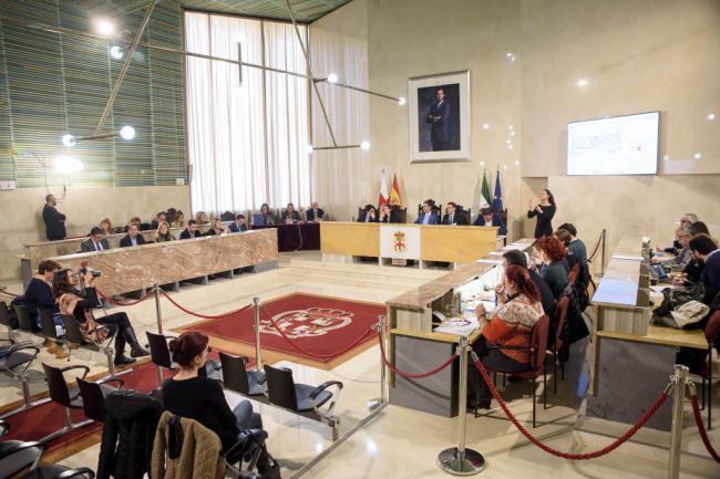 PP y Cs rechazan una moción del PSOE a favor de los PGE