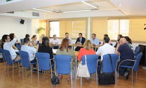 El PP se reclama en Almería como única alternativa al PSOE