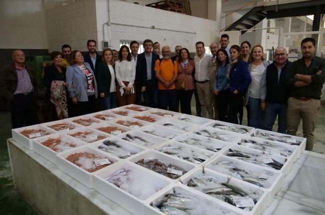 El PP se compromete con el sector pesquero en Almería