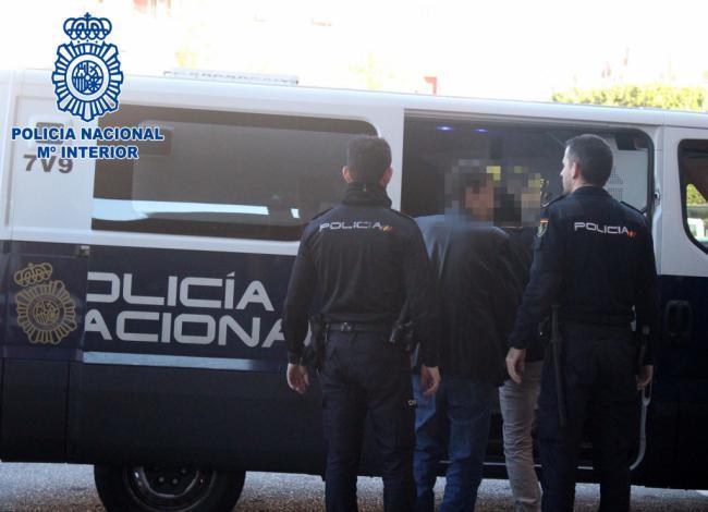 Detenidos los tres atracadores de un salón de juegos en la Cañada de San Urbano