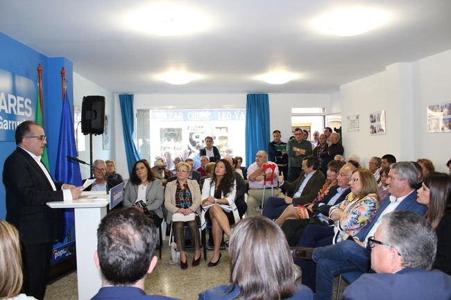 Hernando y Amat piden el voto al PP en Garrucha para que sea escuchada en Madrid
