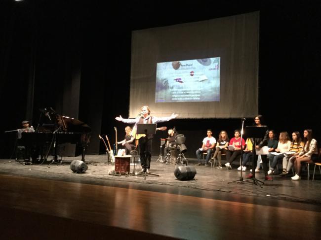 Estudiantes de Vera se implican en el proyecto «Las Sinsombrero» de Paco Damas