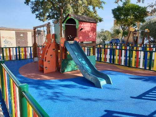 Abren los parques infantiles y biosaludables de Huércal de Almería