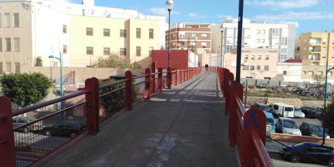 Adjudicada la mejora de la pasarela de Pescadería por más de 300.000 euros