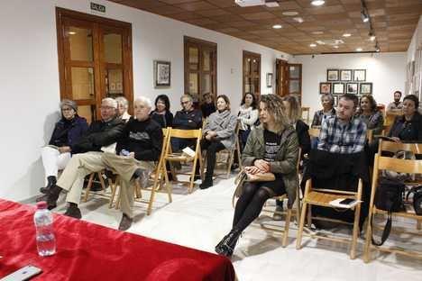 Ana Rossetti comparte en el Aula de Literatura el drama de las desapariciones en Juárez