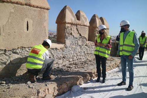 Las obras de la Muralla Norte del Primer Recinto destacan «el compromiso de la Junta con la Alcazaba»