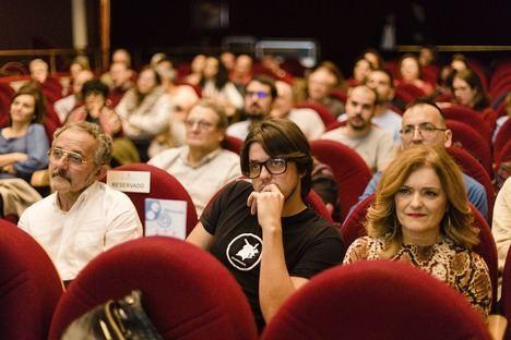Antonio Morales cumple su sueño de estrenar la película 'Marisa en los bosques' en Almería