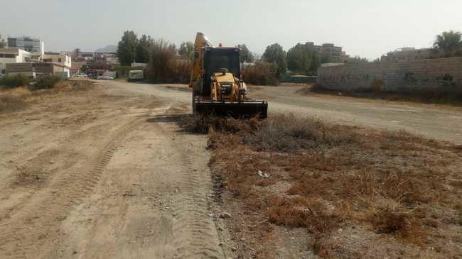 Diputación mejora 14 hectáreas de terrenos en Adra para el 'Juerga's Rock 2019'