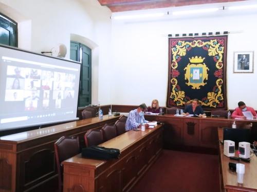 Níjar pide a la Junta que asuma el coste adicional de la desinfección de colegios