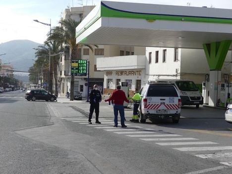 Policía Local de Olula del Río lleva la tarea a casa a menores sin posibilidades telemáticas