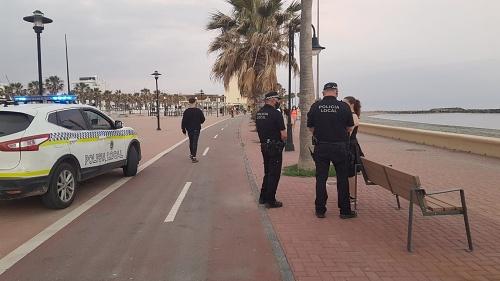 La Policía Local de Adra intensifica la vigilancia con la entrada en la FASE 1