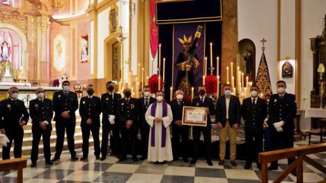 La Policía Local de Berja nombrada hermano honorario de la cofradía del Nazareno