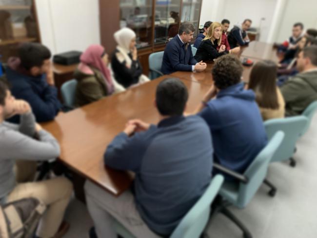 Alumnos de la UAL trasladan a Posadas su preocupación sobre las prácticas de empresa