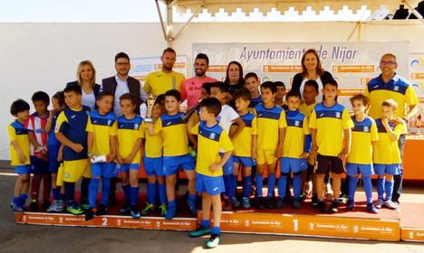 La alcaldesa de Níjar clausura la Liga Municipal de Fútbol