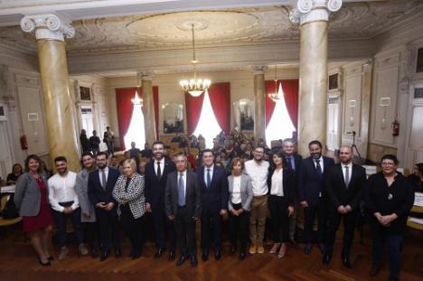 El presidente de Diputación recibe el premio 'V' de Vida