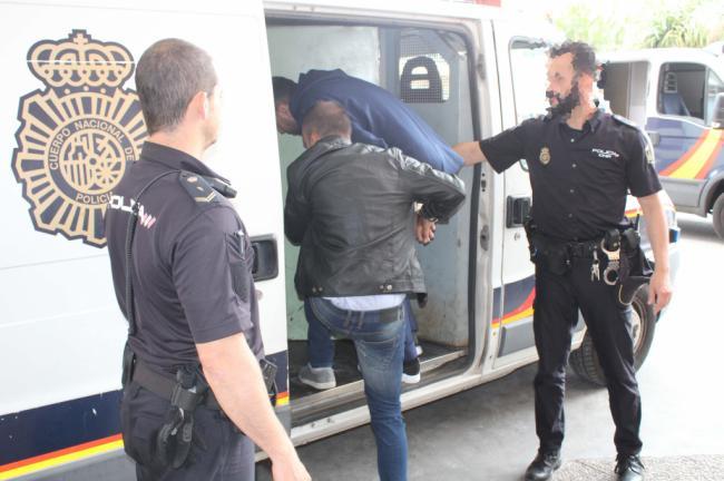 Dos detenidos por un asesinato en El Puche
