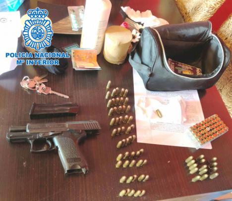 Intervenida en Almería una pistola robada a una agente de Policía Local de Málaga