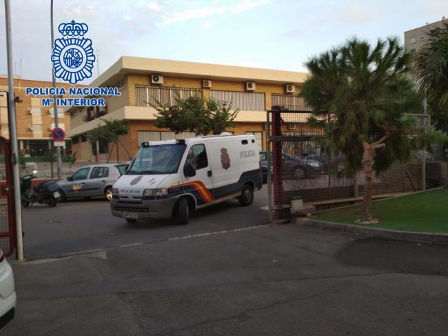 La Policía Nacional detiene en Almería a un fugitivo reclamado por Letonia