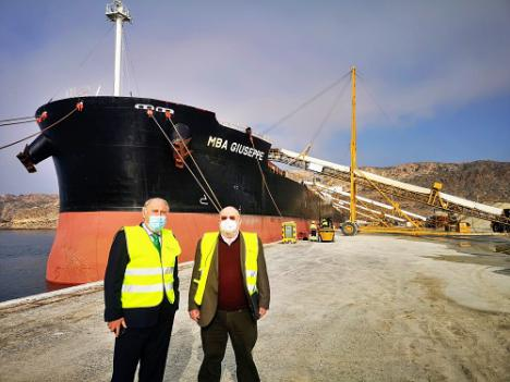 Saint-Gobain Placo carga 80.000 toneladas de yeso en el Puerto de Almería