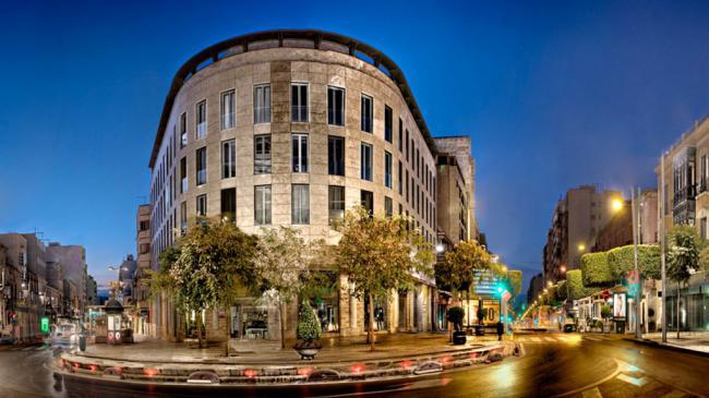 Ayuntamiento y Colegio de Arquitectos buscan el mejor momento para el concurso de peatonalizar el Paseo