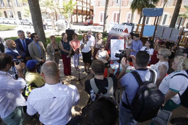 Rafaela Abad se suma a la cadena de los pacientes de esclerosis múltiple