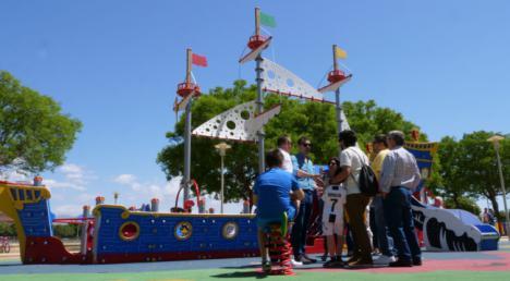 Ramón anuncia más zonas verdes y más parques infantiles y para mascotas