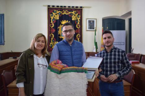 El Ayuntamiento de Níjar distingue al campeón nacional de rally Francisco Salmerón