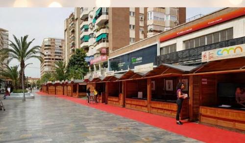 Las casetas de navidad renuevan su estilo en Almería
