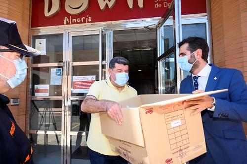 El Ayuntamiento inicia el reparto de 100.000 mascarillas