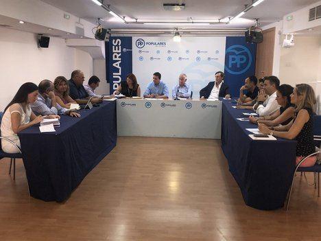 Amat solicita una reunión urgente a la Mesa de las Infraestructuras por los retrasos con el AVE