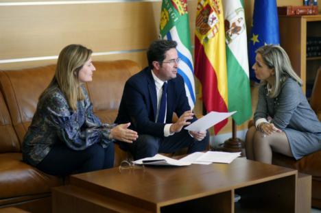 Maribel Sánchez recoge las prioridades de El Ejido de cara a las Autonómicas del 2D