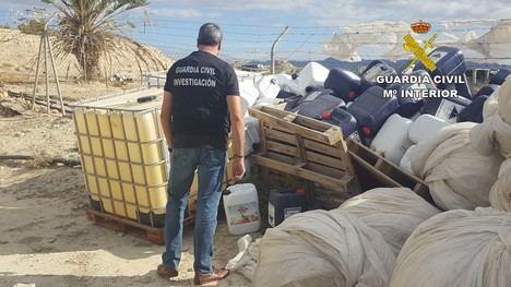 Guardia Civil recupera más de 1000 Kg. de abonos sólidos y más de 500 litros de abonos y fitosanitario