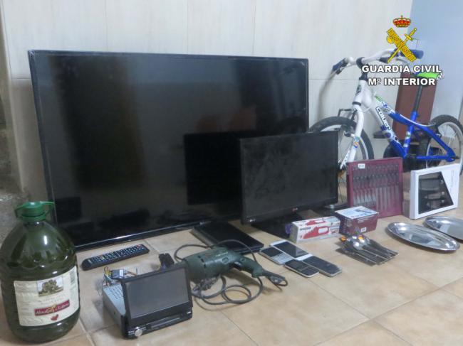 Le imputan cuatro robos en segundas viviendas de Níjar