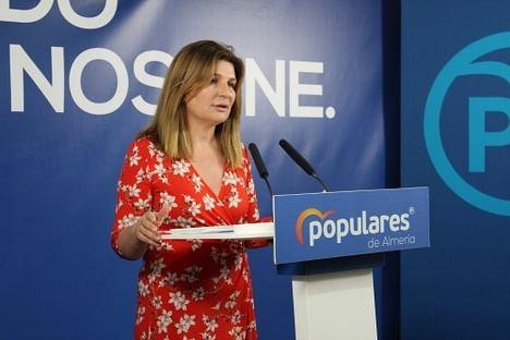 El PP recupera las ruedas de prensa presenciales para destacar Almería como destino turístico