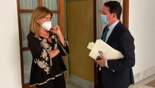 Espinosa destaca que el presidente de la Diputación acude al Parlamento pero los socialistas no