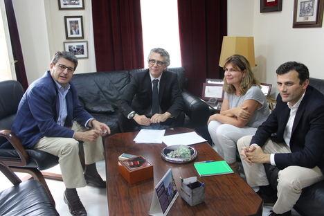 El PP analiza con el decano del Colegio de Abogados las necesidades de la Justicia en Almería