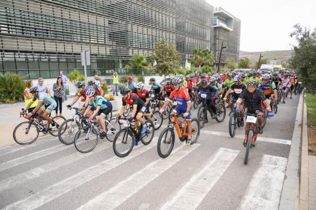 300 ciclistas en la Semana de la Movilidad y éxito del primer día de autobús gratuito