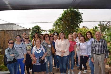 El Ayuntamiento y la Unión de Gestión Clínica de Níjar incluyen una visita al mariposario en la Semana de la Salud