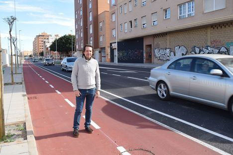 Cs Almería reclama delimitar el carril bici en la carretera de Sierra Alhamilla