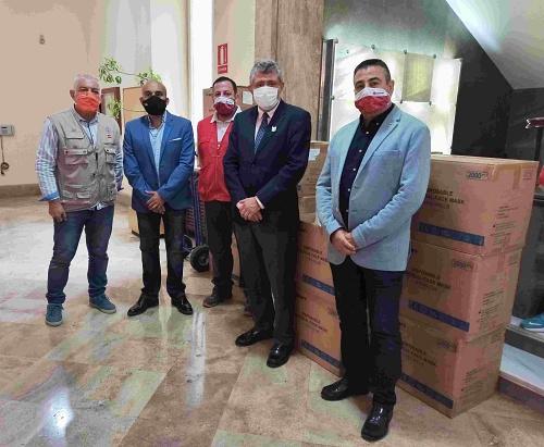 La Subdelegación reparte entre ayuntamientos, Diputación y entidades sociales 230.000 mascarillas